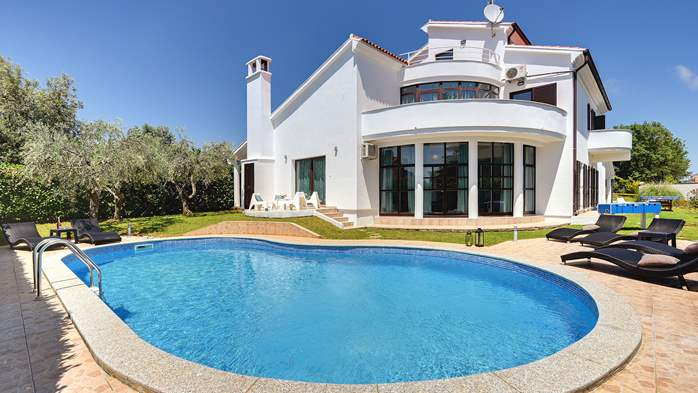 Villa with sea view, private pool, sauna and gym, 1