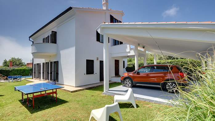 Villa with sea view, private pool, sauna and gym, 3