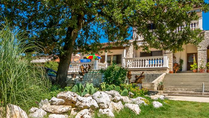 Nice house in Medulin offers comfortable apartments near the sea, 8