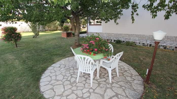 The luxurious house with a yard in Pomer offers accommodation, 31