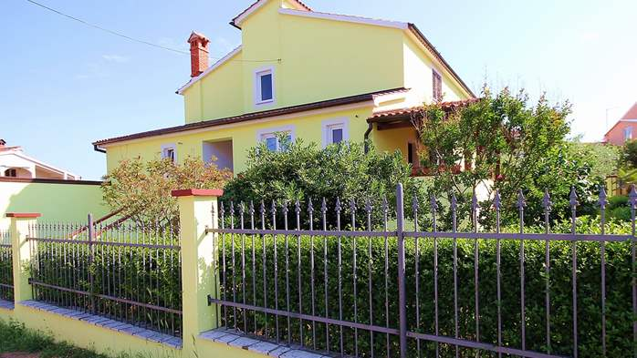 Nice house in Pomer offers accommodation in good apartment, 9