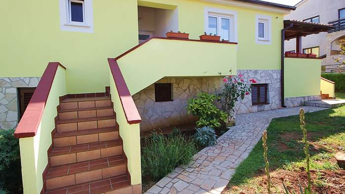 Nice house in Pomer offers accommodation in good apartment, 13