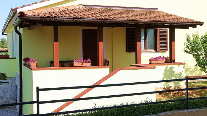 Nice house in Pomer offers accommodation in good apartment, 22
