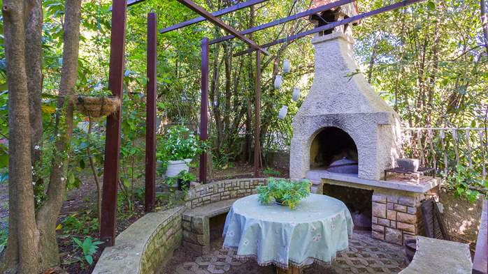 Nice house surrounded by greenery offers accommodation in Pula, 24