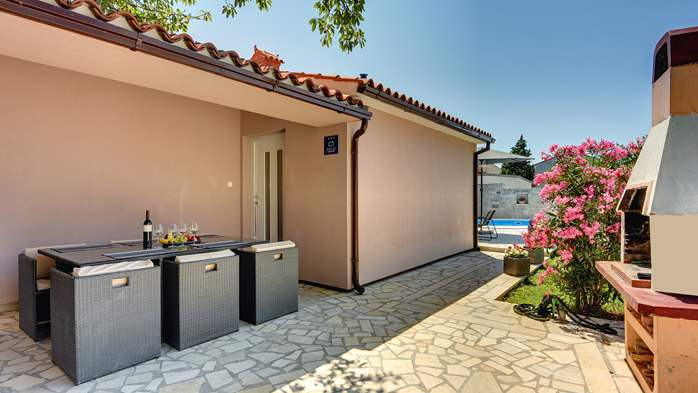 Nice and comfortable holiday home with private pool in Štinjan, 8