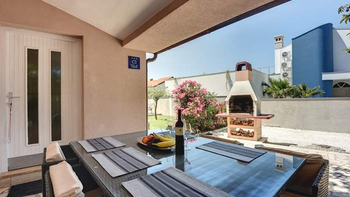Nice and comfortable holiday home with private pool in Štinjan, 10