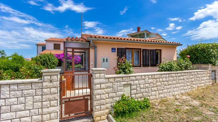 Lovely house in Štinjan with terrace, BBQ and private parking, 1