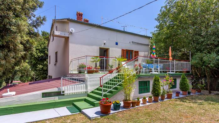 Holiday house with terrace, BBQ and playground for children, 1