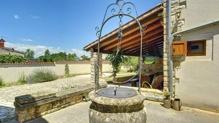 Villa with private pool, decorated in traditional Istrian style, 10