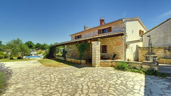 Villa with private pool, decorated in traditional Istrian style, 11