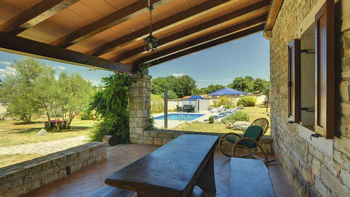 Villa with private pool, decorated in traditional Istrian style, 12