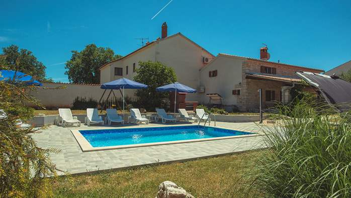 Villa with private pool, decorated in traditional Istrian style, 6