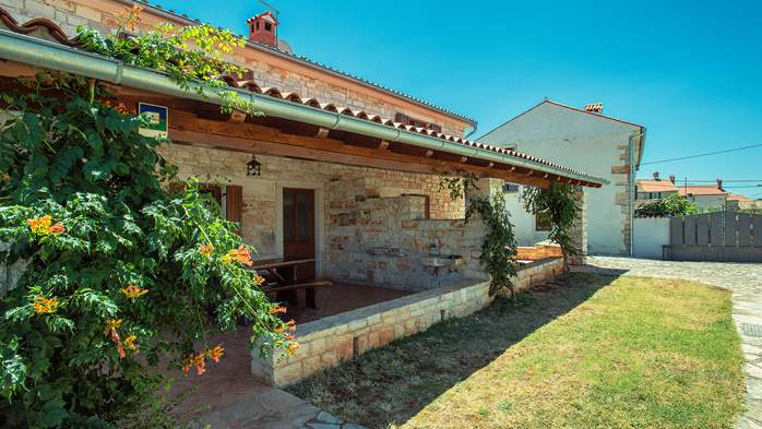 Villa with private pool, decorated in traditional Istrian style, 13