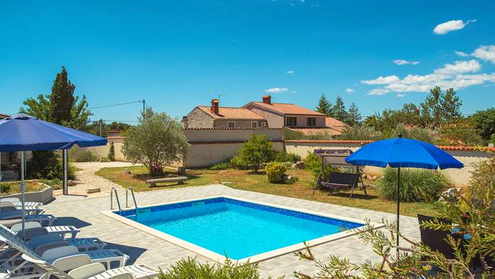 Villa with private pool, decorated in traditional Istrian style, 8