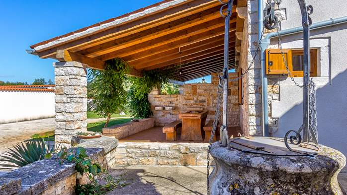 Villa with private pool, decorated in traditional Istrian style, 21