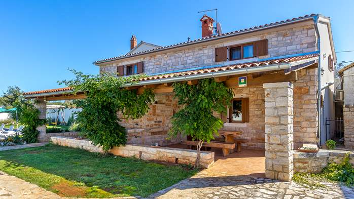 Villa with private pool, decorated in traditional Istrian style, 18