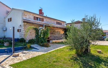 Villa with private pool, decorated in traditional Istrian style