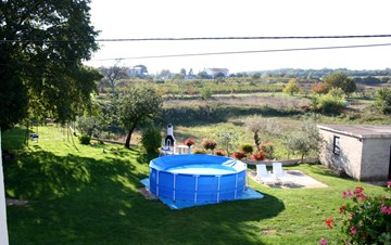 Cosy holiday home with kids playground, SAT-TV and WIFi