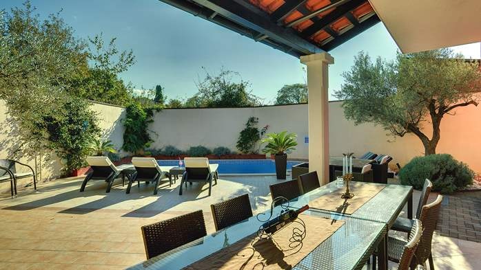 Luxury villa with heated pool, Wi-fi and ping-pong, 5