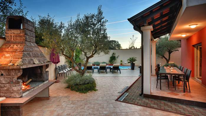 Luxury villa with heated pool, Wi-fi and ping-pong, 13