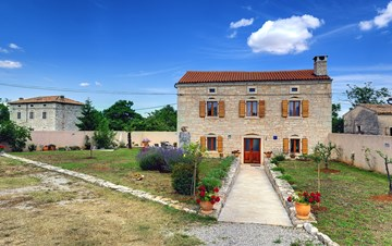 Istrian villa with private pool, playground for kids and barbecue