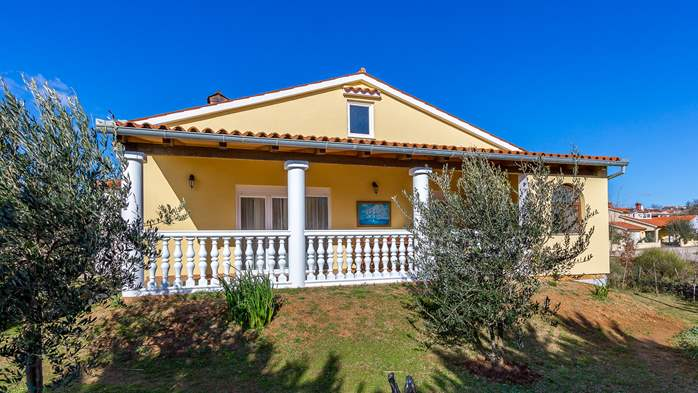 Holiday house in Ližnjan with spacious and charming interior, 1