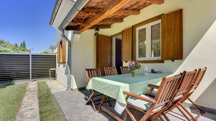 Holiday home with private pool, sun terrace, barbecue in Banjole, 10