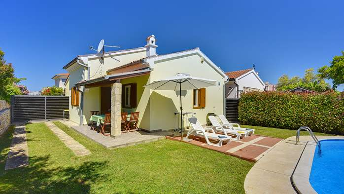 Holiday home with private pool, sun terrace, barbecue in Banjole, 7