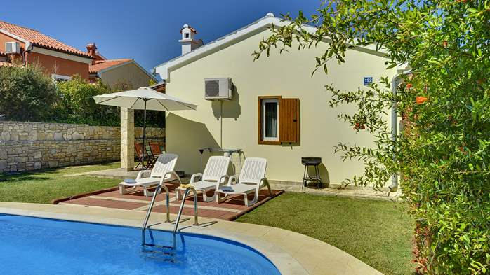 Holiday home with private pool, sun terrace, barbecue in Banjole, 6