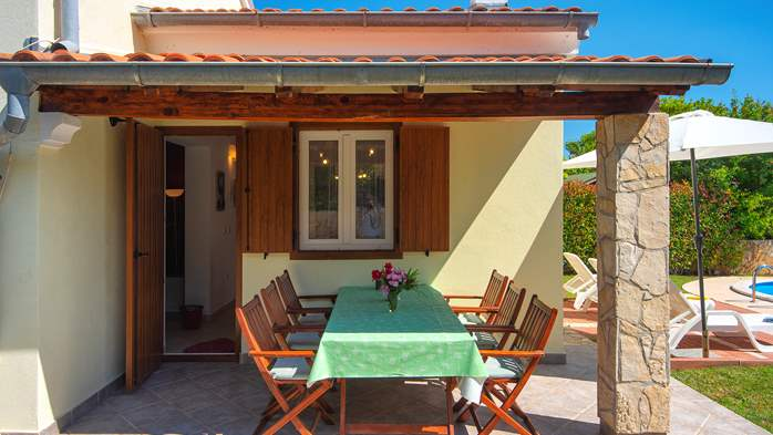Holiday home with private pool, sun terrace, barbecue in Banjole, 11