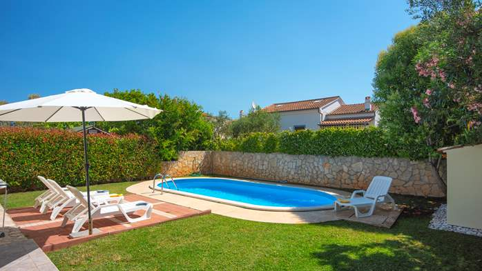 Holiday home with private pool, sun terrace, barbecue in Banjole, 9