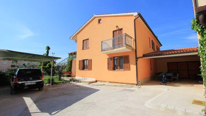 Lovely family house in Fažana, on spacious property, with parking, 13