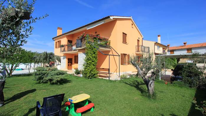 Lovely family house in Fažana, on spacious property, with parking, 10