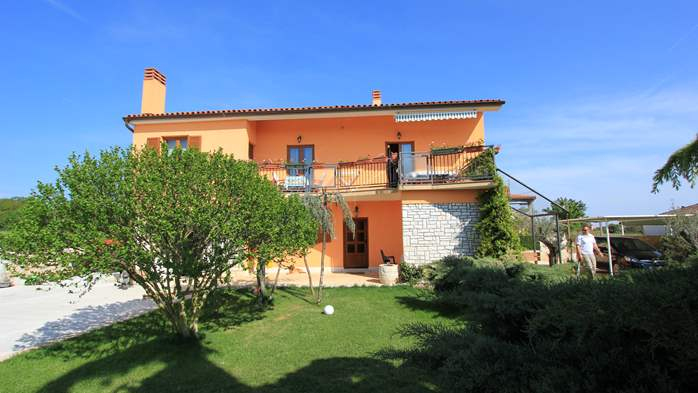 Lovely family house in Fažana, on spacious property, with parking, 12