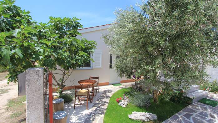 Lovely holiday house in Medulin for 3 persons with nice garden, 4