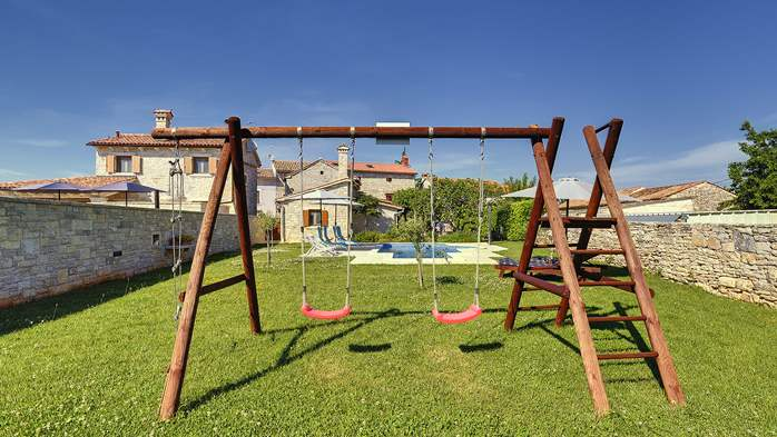 Stone villa with swimming pool, 3 bedrooms, children's playground, 11