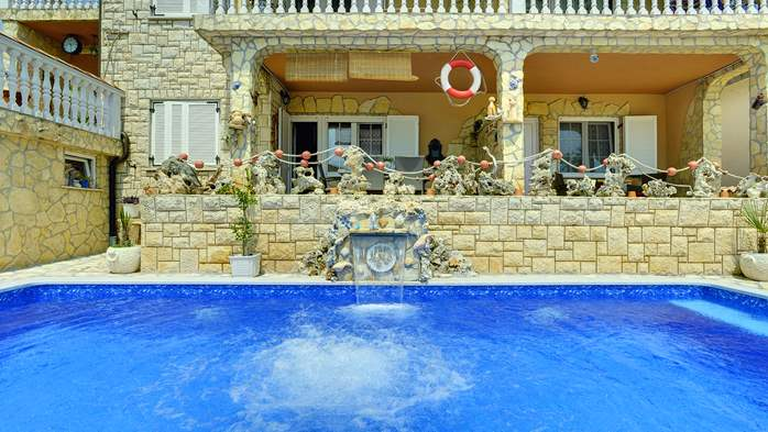 Apartments with heated pool, close to the beach, for adults, 14