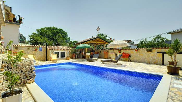 Apartments with heated pool, close to the beach, for adults, 16