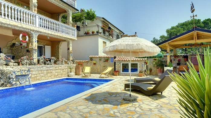 Apartments with heated pool, close to the beach, for adults, 17