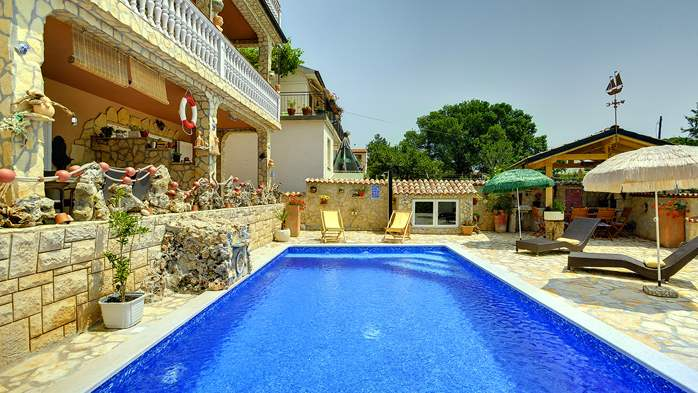 Apartments with heated pool, close to the beach, for adults, 13