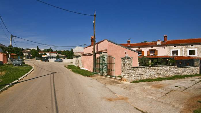 Istrian house in wood and stone on two floors for 4 persons, 12