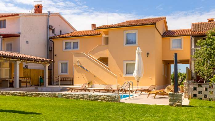 Villa with private pool, terrace, for 16 people, in Štinjan, 5