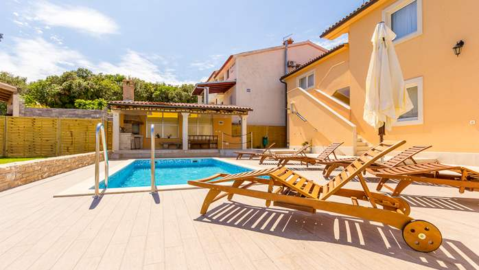 Villa with private pool, terrace, for 16 people, in Štinjan, 3