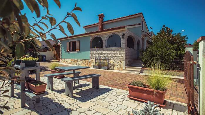 Traditional holiday house in Banjole with garden, Wi-Fi, parking, 6