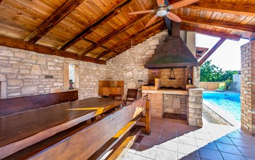 Villa with pool in the heart of Medulin, for 6 to 8 persons,Wi-Fi
