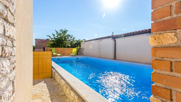 Villa with pool in the heart of Medulin, for 6 to 8 persons,Wi-Fi, 3