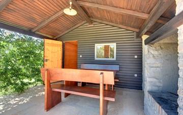 Rustic villa with pool, kid's playground, Wi-Fi, BBQ, sun terrace