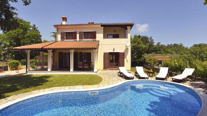 Villas with pool Villa Nina
