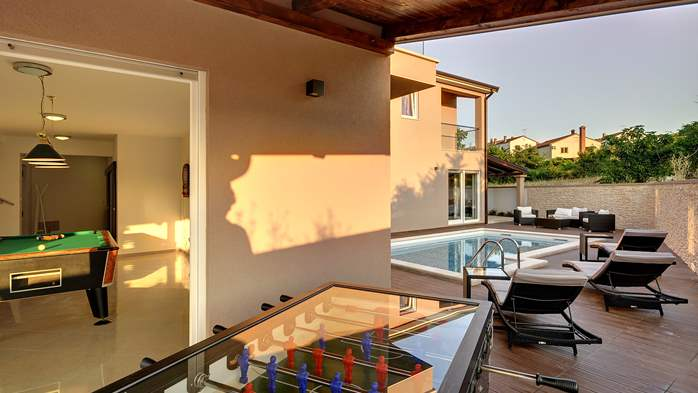 Modern villa with a private pool and summer kitchen with TV, 8