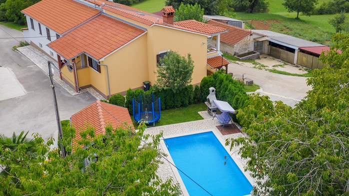 Villa with swimming pool, children playground, BBQ and 5 bedrooms, 5